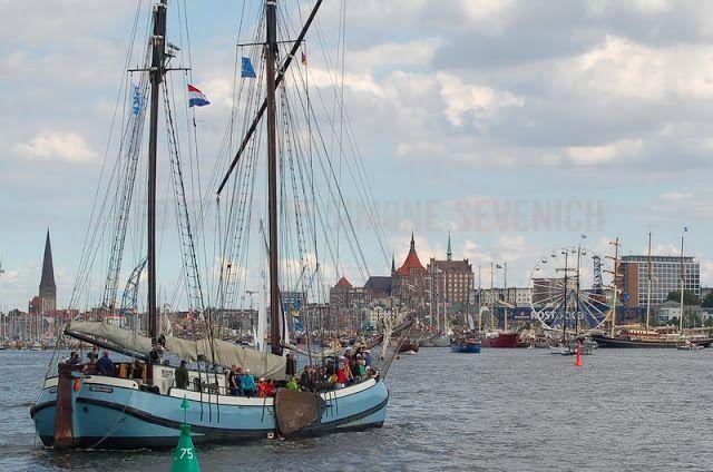 Hanse Sail  Anfahrt auf Rostock