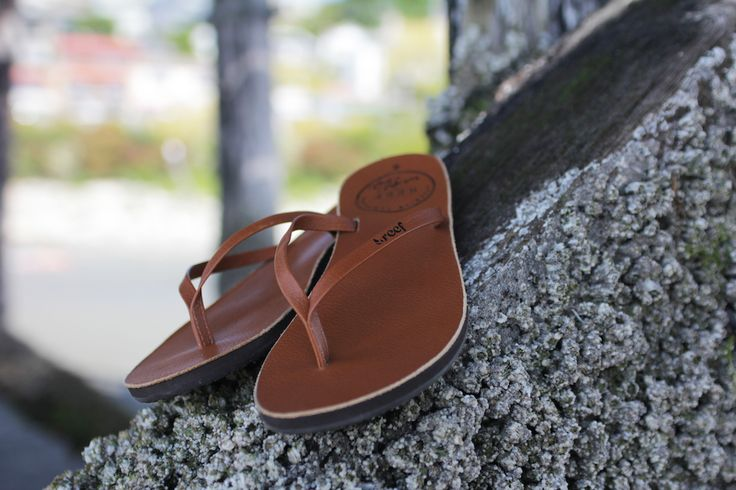 Reef leather flip flops - Premium Label Outlet: http://www.premiumlabel.ca/outlet/style-guide/summer-style-guide-2015