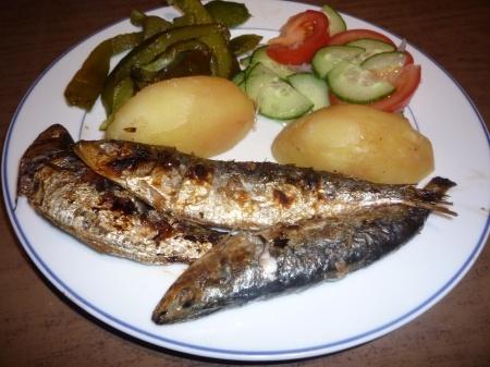 Sardinha assada (Sardines braisées au barbecue)