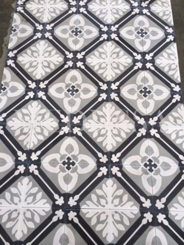 Leuke zwart-witte patronen in nieuwe tegels voor vloer en wand. Bij Medussa www.medussa.be in België