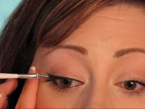 Nice tutorial on how to apply eyeliner and the different types of eyeliners that are out there. My make-up guru, Angie Garcia, recommends Sephora eyeliner.