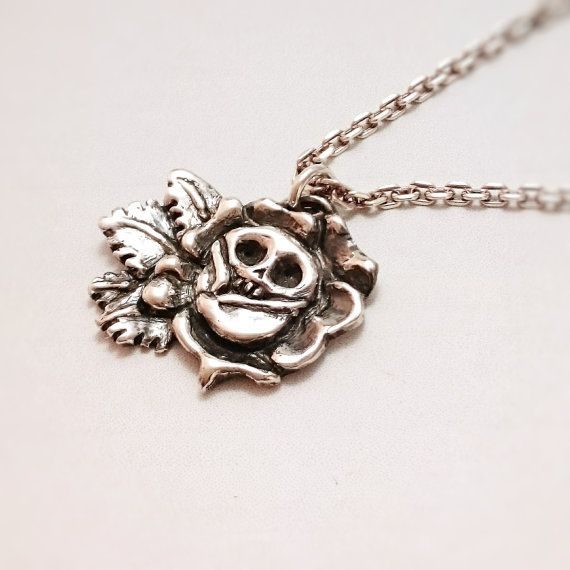 Roses and skeleton mix pendant top silver925 stearlingsilver