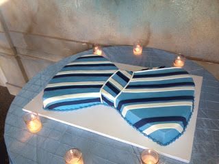 Bow-tie grooms cake; make the cake match the groomsmens bow ties