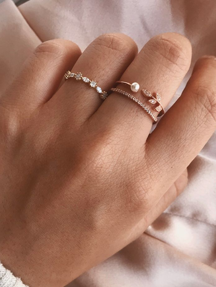 The best collection of gold plated silver rings. Discover our pieces …