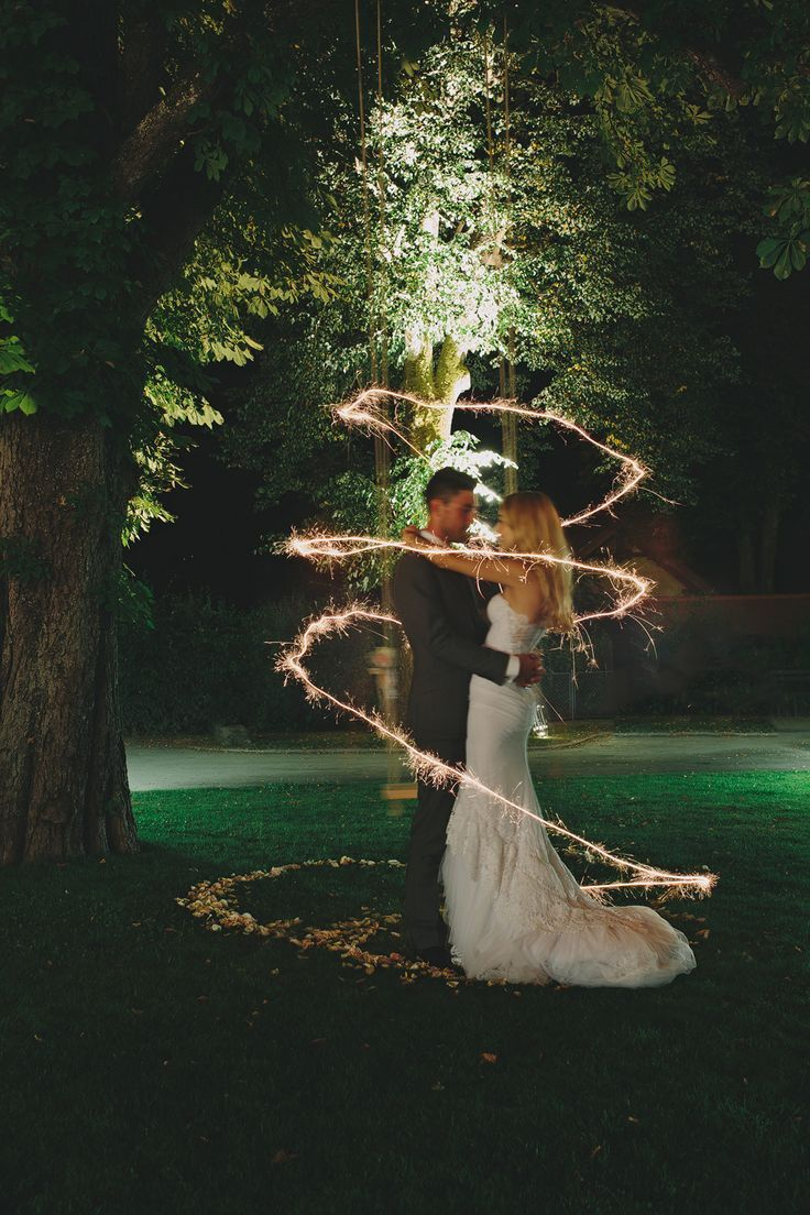 Alternate wedding day timelines: Ditch the Saturday night wedding for these cool ideas! - Wedding Party