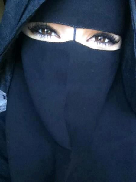 Most popular tags for this image include: niqab, beautiful, muslima, covered and بعد كلي فديتگ يا ملكة