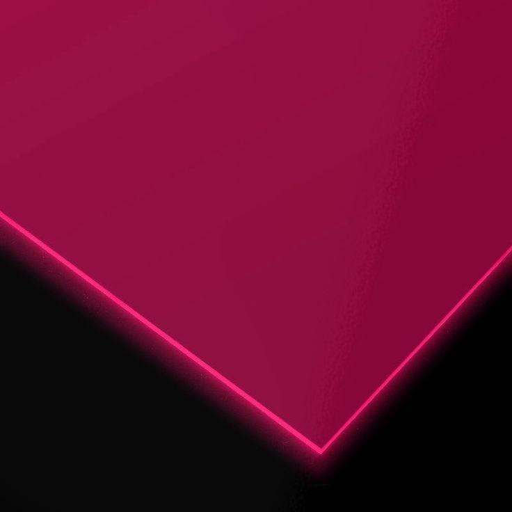 METACRILATO TRANSPARENTE FLUORESCENTE - Gama de metacrilatos fluorescentes completamente transparentes en cinco colores distintos: amarillo, azul, fucsia, naranja y verde y 3 mm de grosor.