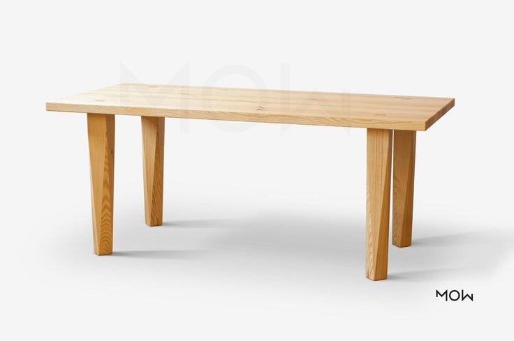 Bytelný rodinný jídelní stůl z masivu borovice nebo dubu.