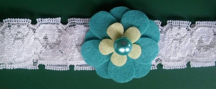 Girls stretchy headband/white lace with beautiful felt flower by bootneckbabies on Etsy