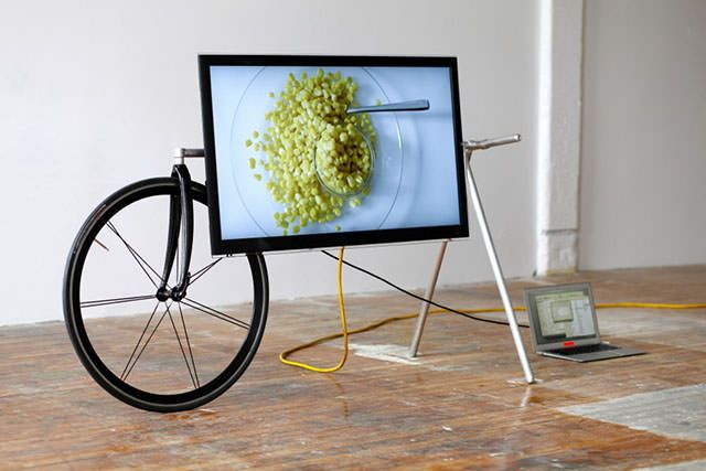 Unique Portable TV Stand by Taylor Levy and Che-Wei Wang | The Design Home