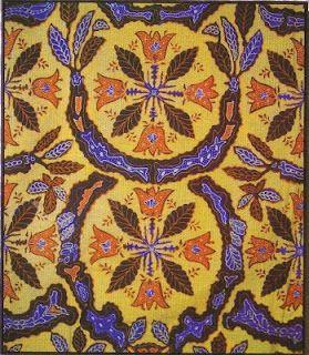 Batik Cianjur Motif dan warna-warna kainnya tidak jauh dari tumbuhan yang hidup di sekitar Cianjur. Umumnya mendekati warna tanah, daun atau bulir padi. Ada juga motif batik yang terinspirasi dari budaya dan keseharian masyarakat Cianjur.