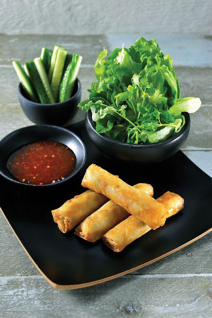 """Het lekkerste recept voor """"Vietnamese nems met chilidipsaus"""" vind je bij njam! Ontdek nu meer dan duizenden smakelijke njam!-recepten voor alledaags kookplezier!"""