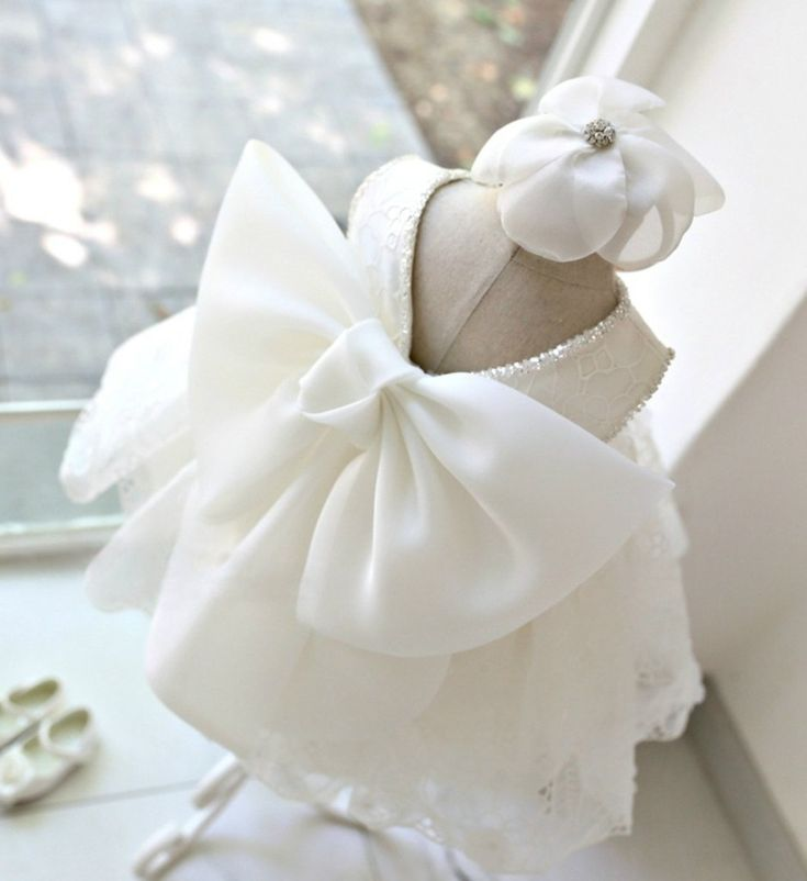 Stunning Big Bow Back Flower Girl Dress-White Large Bow Back Lace Girl Dress Perfect for Birthday, Wedding, Christening, Baptism, Party Dress Or Baby Shower Gift. Available from Newborn - 15 Years #bigbowdress #sweetheartbigbowdress #whitelacedress #bigbowflowergirldress #highqualitychildrendress #flowergirldresses #babygirlbirthdayoutfit #pageantdress
