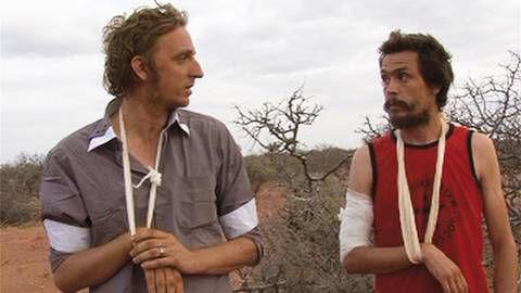 Journalisterna Martin Schibbye och Johan Persson under förhör mitt ute i öknen i Ogaden.  Måste ses!