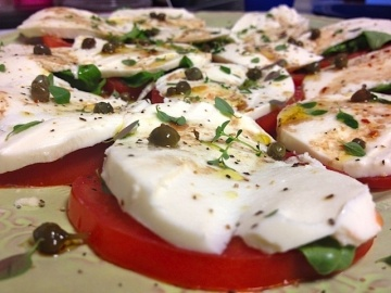 Tomato & mozzarella salad recipe from Helen Chavez (wife of Cesar Chavez) #justice