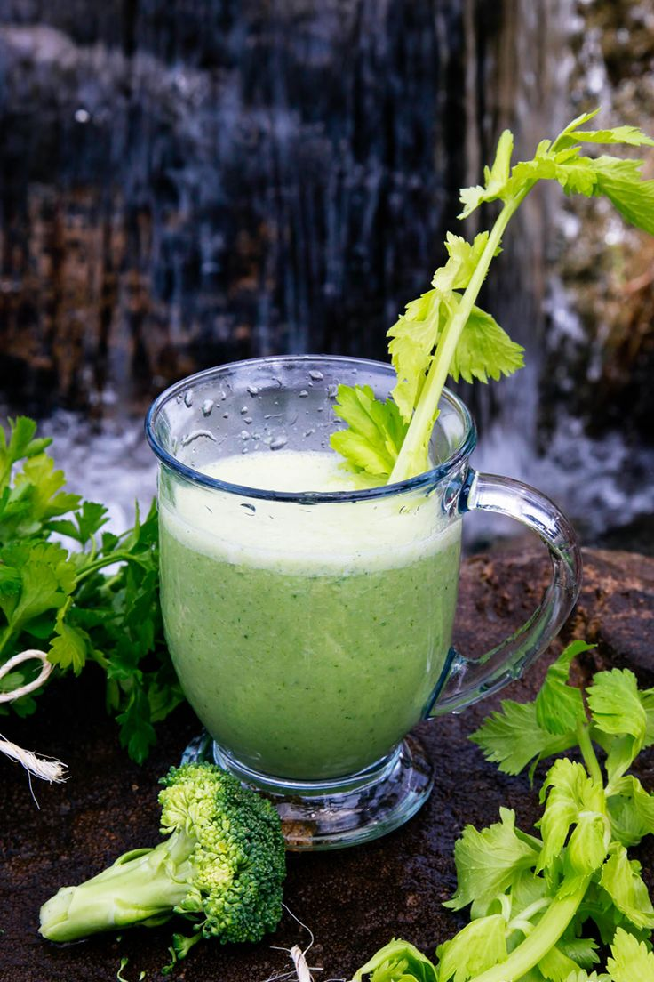 Perfect Detox Green Smoothie - (15 Detox Smoothie Recipes to Shed Belly Weight Fast), Green smoothie diet, vegetable smoothie, veggie smoothies, green smoothie recipes, healthy green smoothies, green drink recipe, green smoothies for weight loss, healthy smoothie recipes, #Blenders, #Veggies, #Mornings.