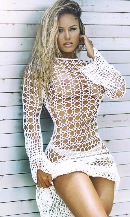 Sex carmen electra nude gallery fish nets pussy tube