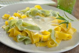 Cooking an Alfredo sauce recipe in American culinary style is said to cater an extreme 'tasty taste' and can be used as either a side-dish or a main dish by all. This article will discuss some basic recipes for preparing Alfredo sauce with milk.