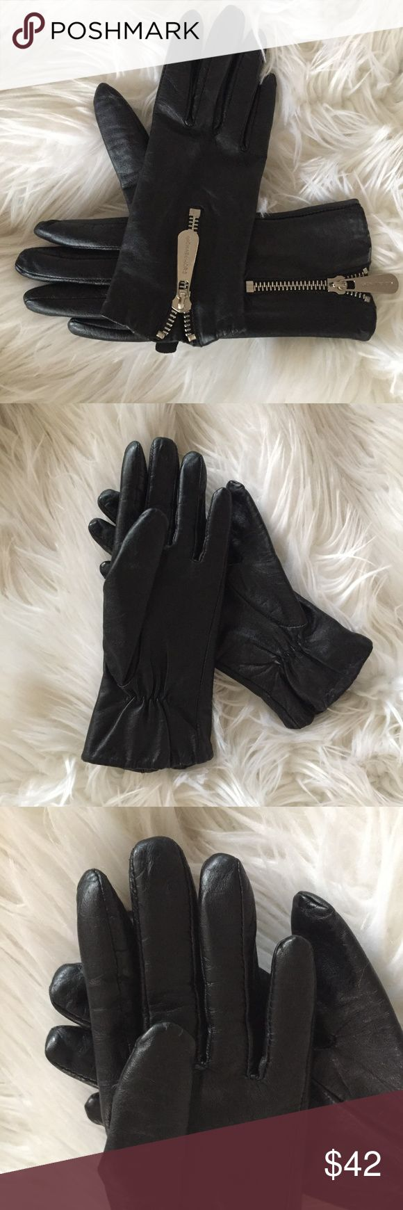Michael kors calf leather gloves So soft and luxurious. New without tags. Michael Kors Accessories Gloves & Mittens