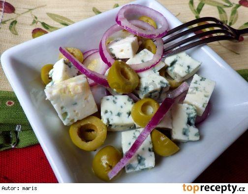 Pikantní předkrm z nivy a oliv