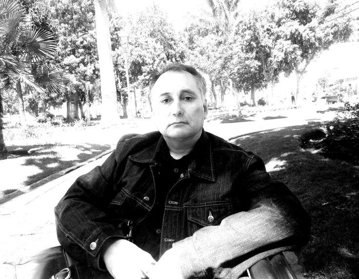 Dr. Adolfo Vasquez Rocca Doctor en Filosofía y Teoría del Arte . Adolfo Vasquez Rocca Director de Revista Observaciones Filosóficas.