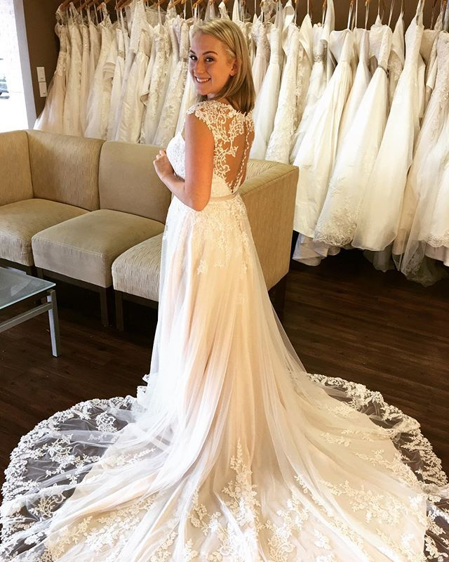 192 Best Bridal Gowns We Love Images On Pinterest Short Wedding Frocks And