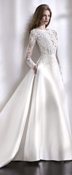 [205.50] Elegant Tulle & Satin Bateau Neckline A-Line Wedding Dress With Lace Appliques & Beadings & Pockets