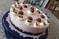 Erdbeer-Yogurette-Torte-mit-Nussboden