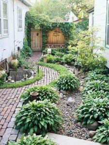 mijntuingeheim.nl/kleine tuin waarbij vormen de ruimte indelen