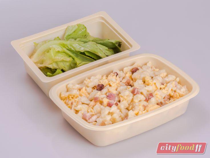 Tojásos nokedli, bacon szalonnával, fejes salátával  http://www.cityfood.hu/ebed-hazhozszallitas/etlap?het=201606
