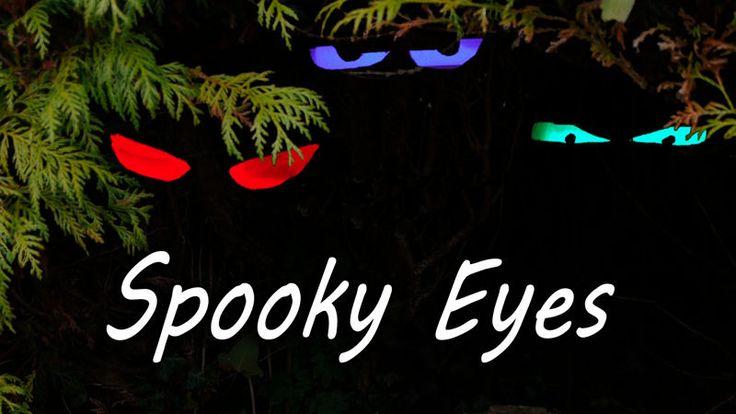 Realmente sencillo de conseguir, fácil de hacer incluso por los más pequeños de la casa. Hoy os traemos un vídeo donde podréis saber como hacer unos ojos fantasmagóricos para Halloween con un rollo de papel y mucha imaginación.
