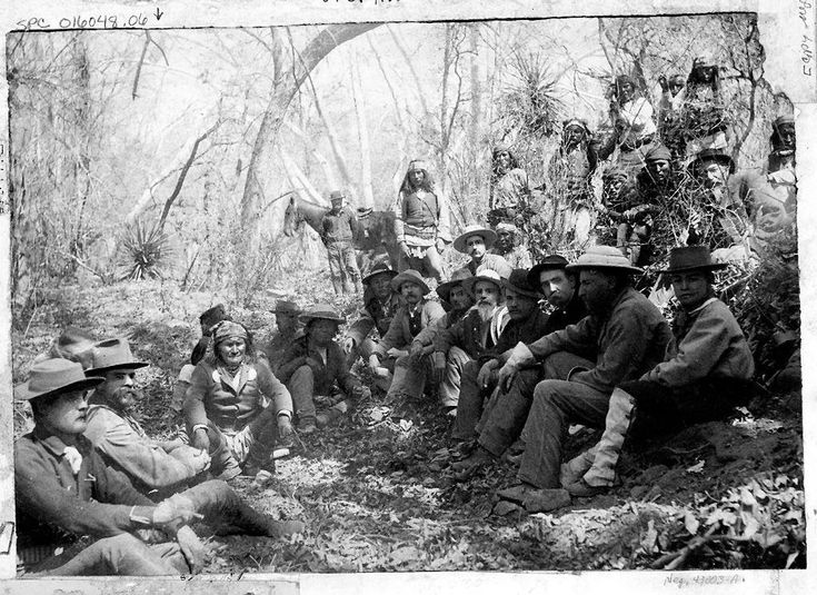 Foto album 1. Geronimo and Apaches meet with General Crook near Tombstone, Az. 1886