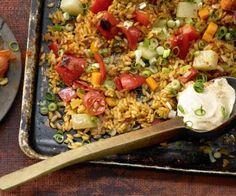 Gemüse-Reis-Pfanne aus dem Ofen mit Kohlrabi, Paprika und Möhren