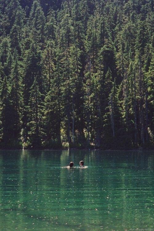 Nos bañaremos juntos en un lago como este.