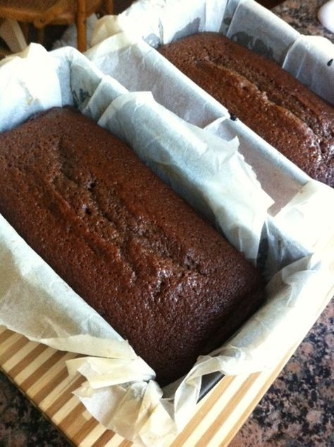One of my favourite cakes ever is the simple ginger cake. Every week we used to always get one of the McVities Jamaica Ginger Cakes. I think it's the moistness of the cake that really does it, and ...