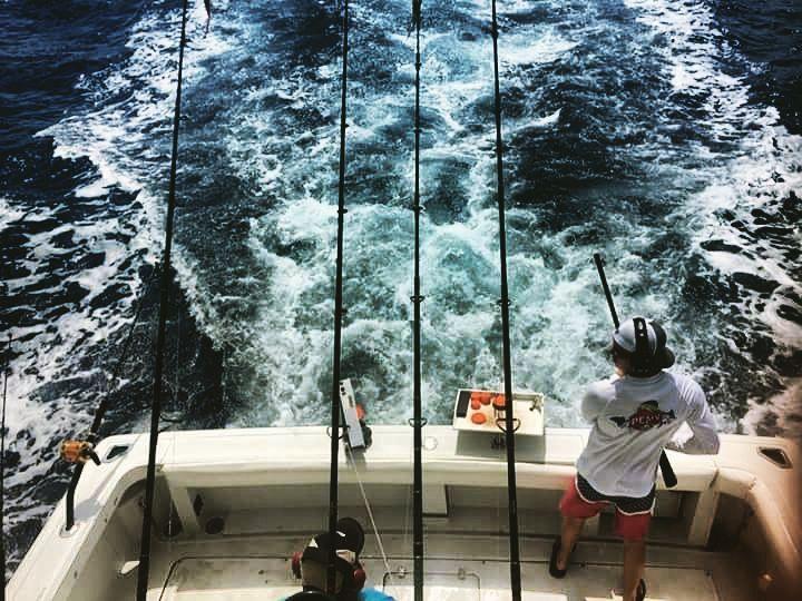 Who's going fishing this weekend????? #lowtidevibes #lowtide #offshore #trolling #florida #keys #flkeys #fish #fishing #islamorada #islands #islandlife #beach #ocean #water #overhead #surf #chop #open #boat #boating #saltlife #flogrown @islamoradatimes