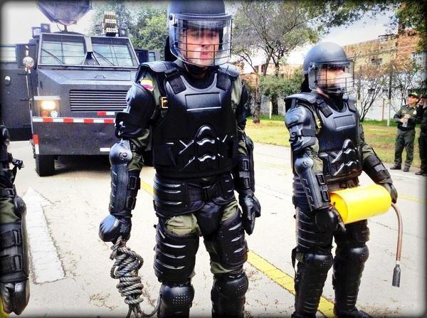 Se acerca #PolicíaPorUnDía 2015 y estamos escogiendo a los que participarán ¡Puedes ser tú! >> http://on.fb.me/1YOuGT8