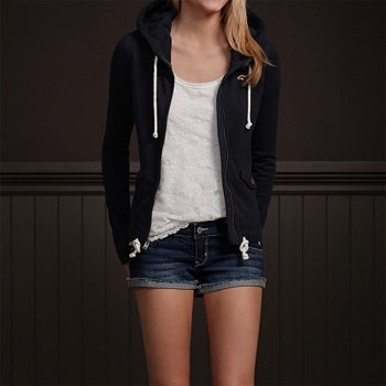 Hollister Look--- Like how it works with the jacket