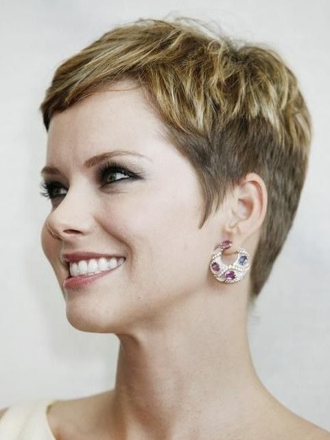 2014 Really Short Hairstyles for Women Over 40