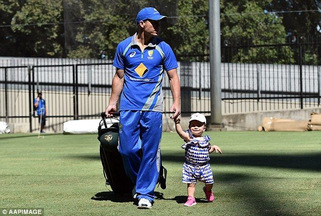 David Warner's daughter Ivy Mae at cricket training on Christmas Day - Daily Mail - http://www.thenews123.com/2015/12/25/david-warners-daughter-ivy-mae-at-cricket-training-on-christmas-day-daily-mail/