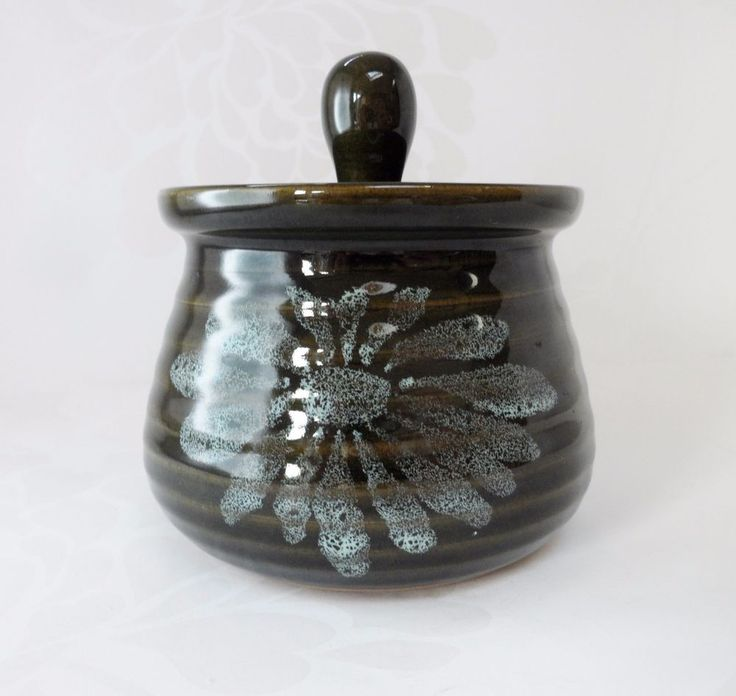 Lotus Pottery Lidded Pot Skipworth Stoke Gabriel Devonshire Studio Pottery