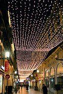 Bordeaux:  Rue Sainte Catherine et ancienne décoration de Noël