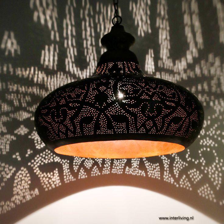 Industriele lamp in filigrain design, metaal afwerking verweerd roest met hout afwerking
