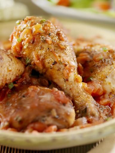 Chicken Drumsticks Cacciatore - Lauri Patterson/E+/Getty Images