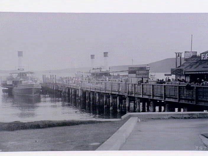 Steamboat pier at Manly in the Northern Beaches region of Sydney in 1887. State Library of NSW.