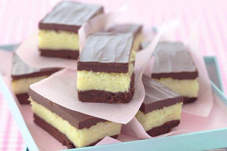 Experimente essa deliciosa receita de Bolo Prestígio em Retângulos. Aqui aprenderemos essa receita que é muito simples até mesmo para quem não tem conhecimento na cozinha. Você nunca mais irá esquece-la. INGREDIENTES: Massa loading... 6 gemas 1 xícara (chá) de Chocolate em Pó 1/2 xícara (chá) de manteiga 1 e 1/2 xícara (chá) de açúcar … Continue lendo Bolo Prestígio em Retângulos →