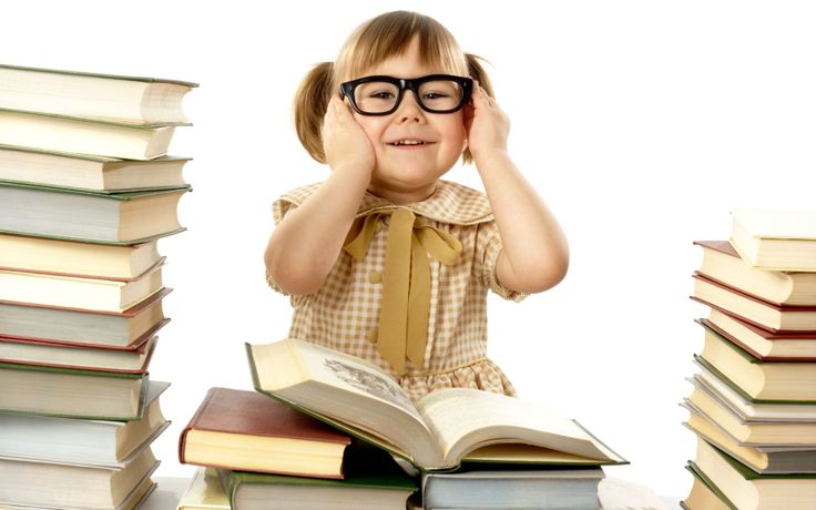 8 tipuri esențiale de cărți pe care copilul tău trebuie să le aibă