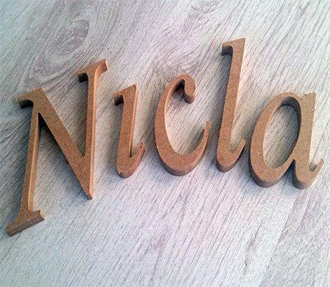 Lettere di legno alfabeto da parete personalizzato. Oggetto in legno per decorare casa tua! on Etsy, €2,10