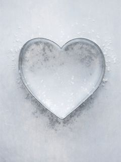Cintera's heart, after years of evil doing, has now turned to ice. It is the prize the swordsmen will later seek, to fulfill the faerie prophesy told to Briah.