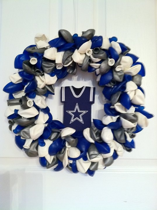 Dallas Cowboys, balloon wreath